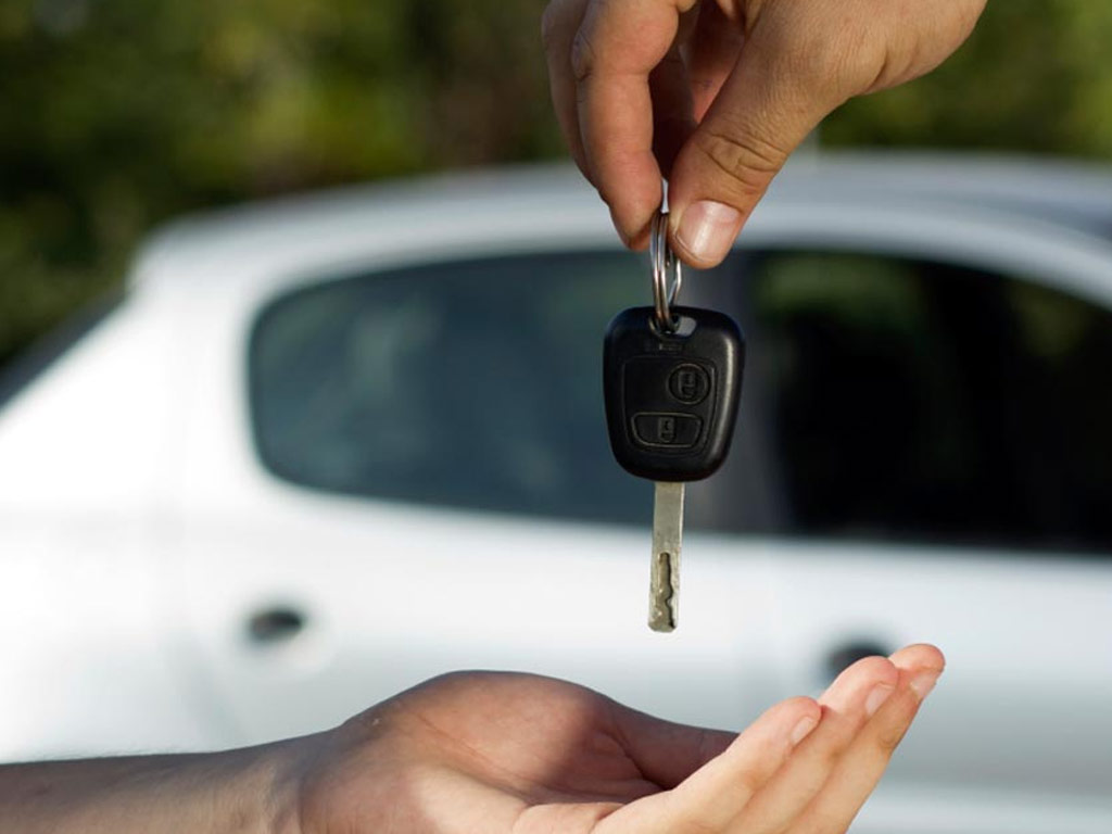 Why One Should Consider A Professional Locksmith To Replace Car Keys?