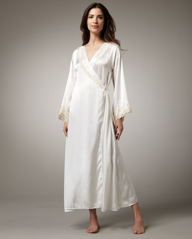 Silk Robes- Perfect Attire Wear